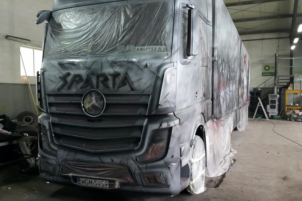malowanie tira, tuning samochodu ciężarowego poprzez malowanie,