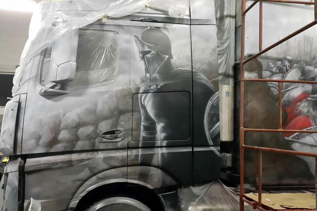 Malowanie tira, areografia samochodowa