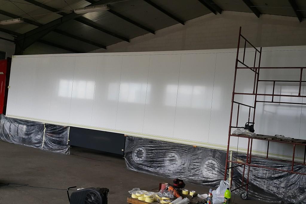 Malowanie tita areografem, malowanie graffiti na cieżarówce
