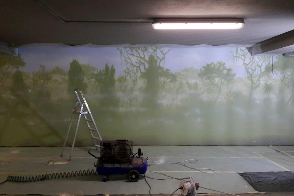 Malowanie dżungli, mural las tropikalny