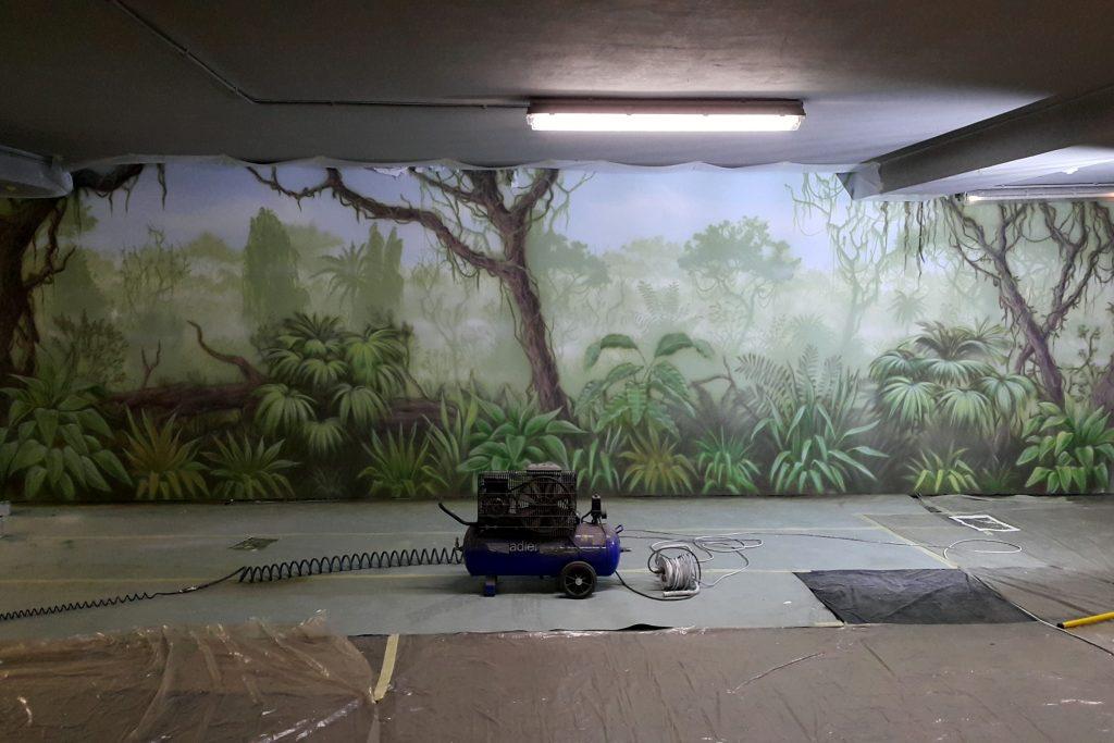 Malowanie obrazu na ścianie, las tropikalny mural na ścianie
