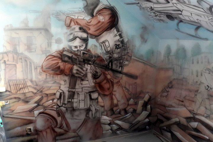 Pokój młodzieżowy, graffiti na ścianie, malowanie murali
