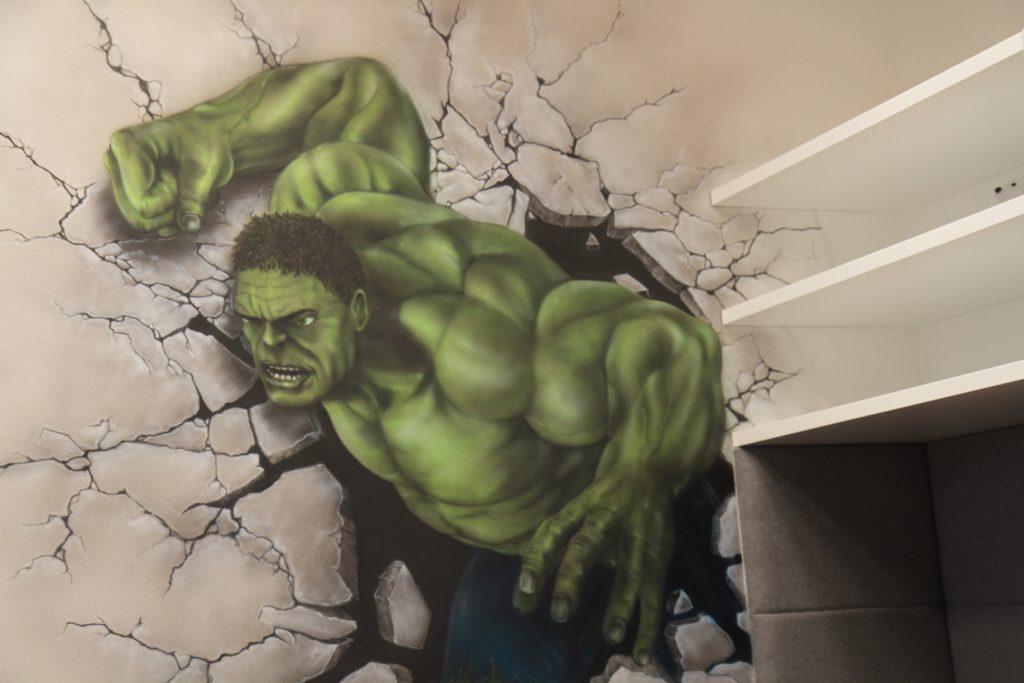 Malowanie pokoju dziecięcego, mural Hulka, graffiti w pokoju dziecięcym