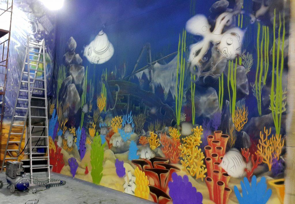 Malowanie rafy koralowej, mural w kielcach