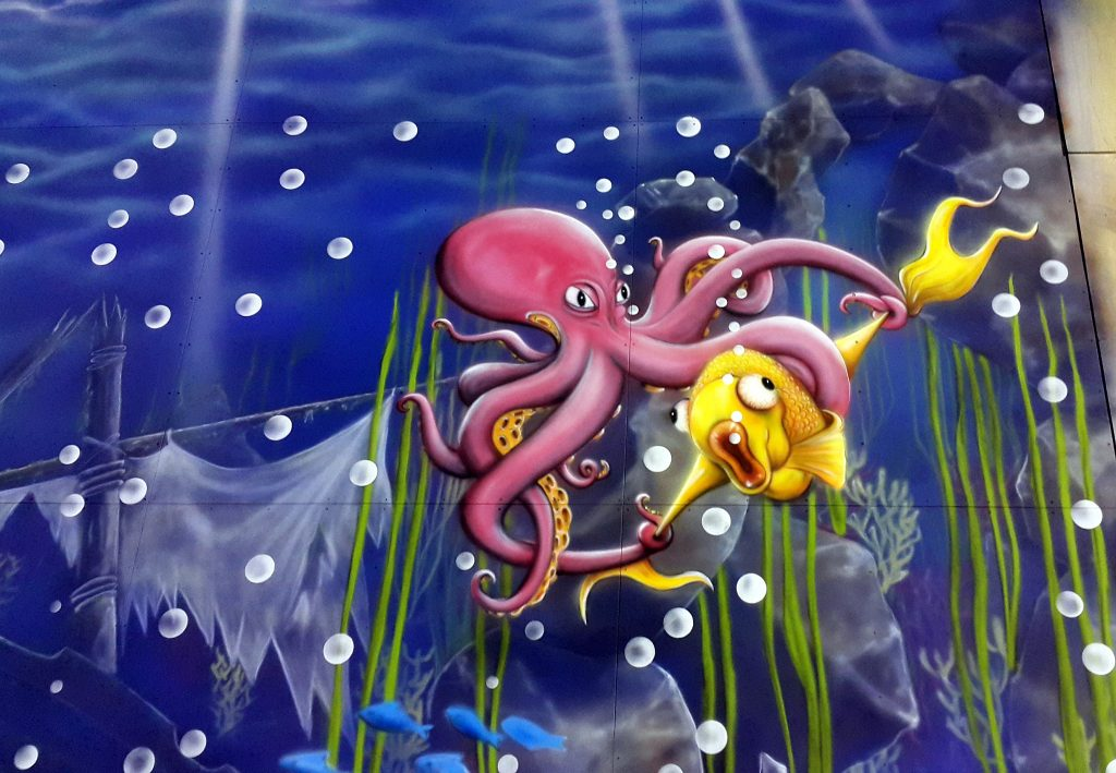 Malowanie ośmiornicy, mural rafa koralowa