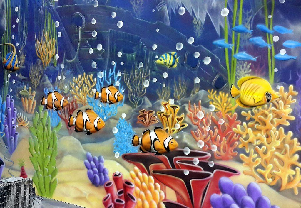 Malowanie rybek na ścianie, graffiti 3D