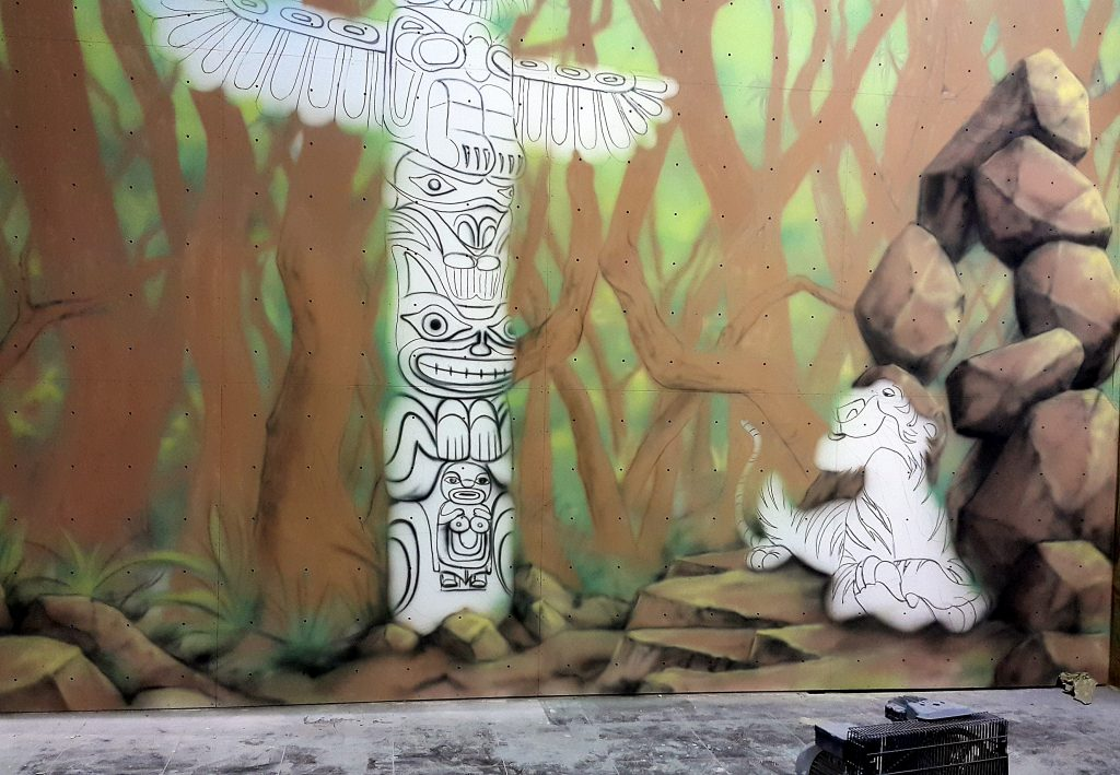Mural wykonany na ścianie,