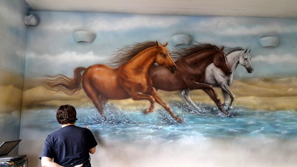 Konie w galopie, obraz, malowanie obrazu na scianie, galopujących koni, obraz olejny