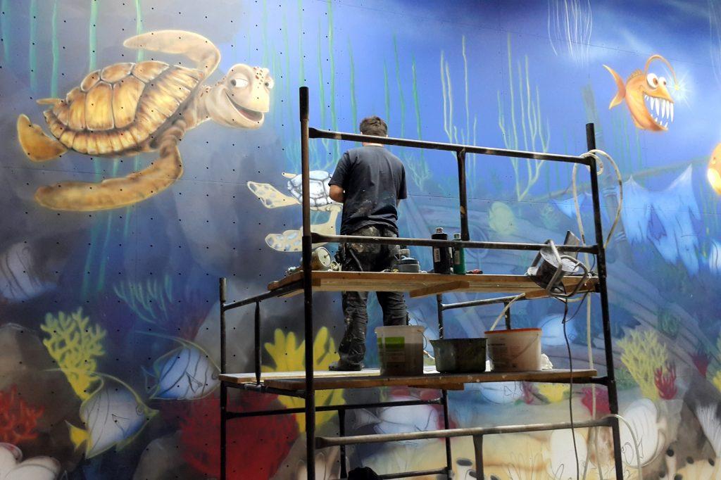 Graffiti dla dzieci, malowanie w sali zabaw