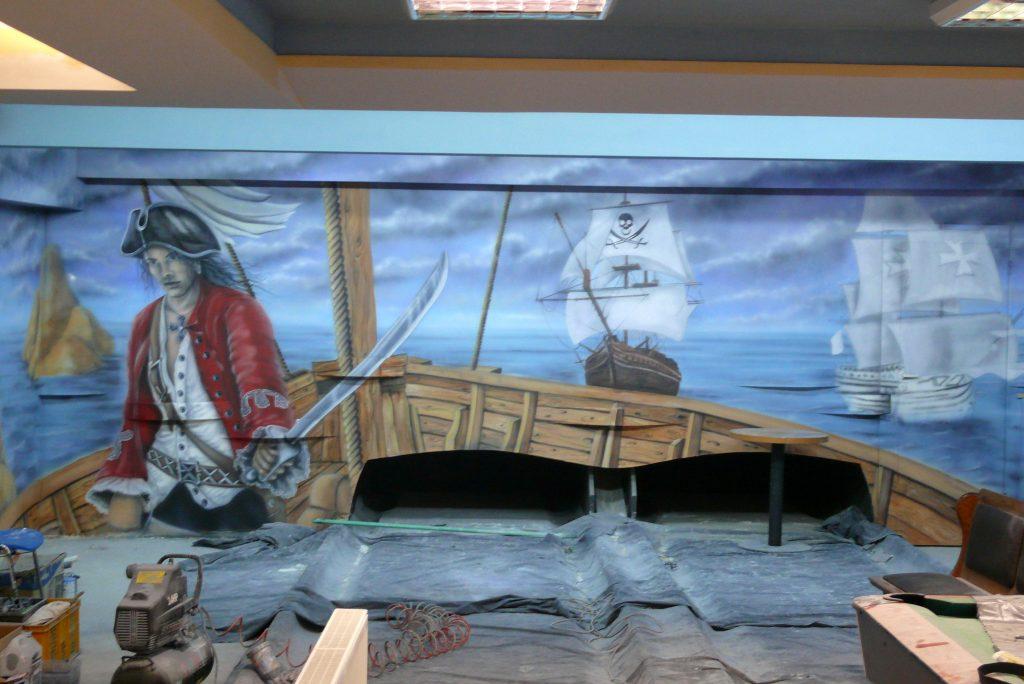 Malowanie w kręgielni, aranżacja ściany w kręgielni, painting the bowling alley