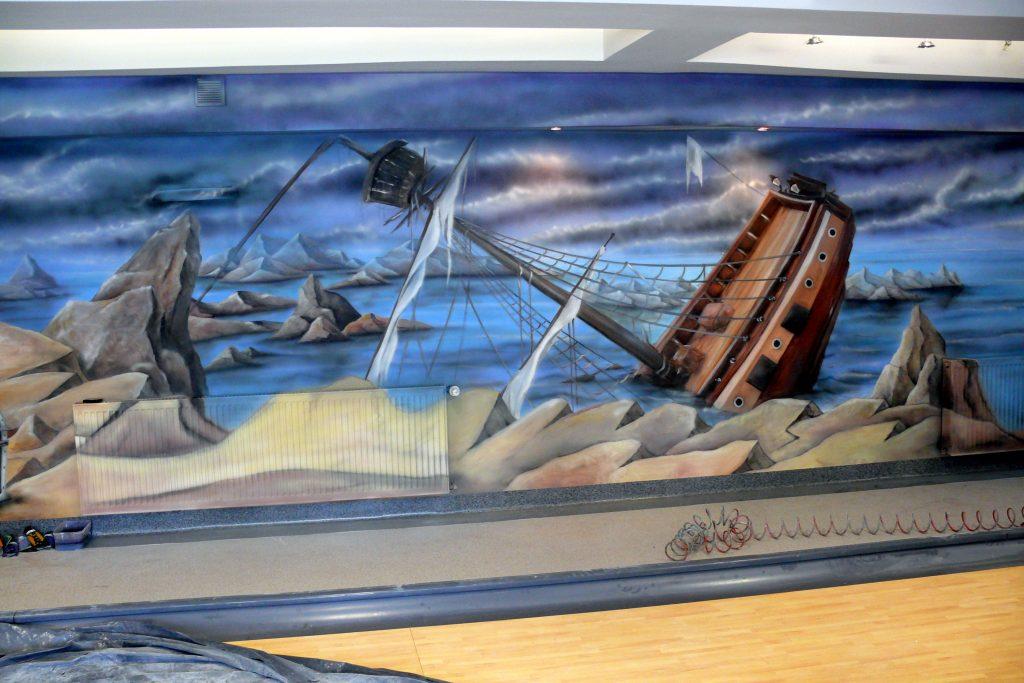Malowanie kręgielni, graffiti na ścianie w kręgielni, artystyczne malowanie ścian