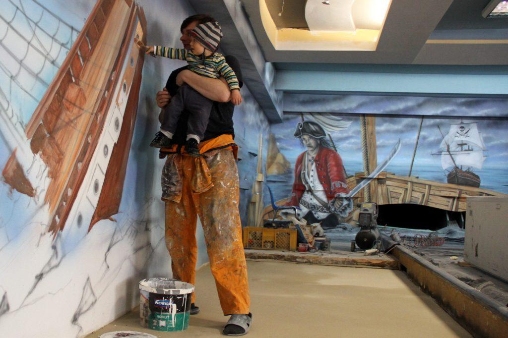Malowanie w kręgielni, painting the bowling alley
