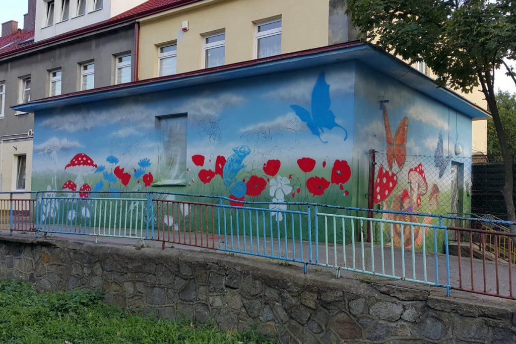 Mural w Inowrocławiu, kolorowy mural cieszy mieszkańców Inowrocławia