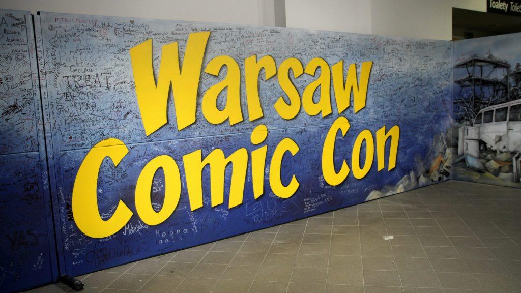 Malowanie loga Comic Con na żywo