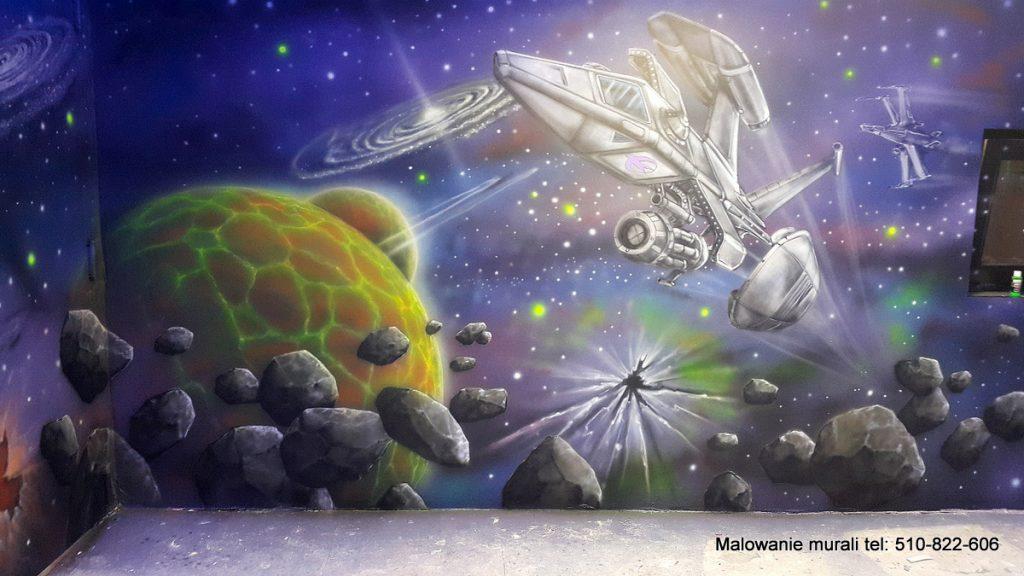 malowanie sali zabaw dla dzieci, kosmiczny pokój, malowanie kosmosu