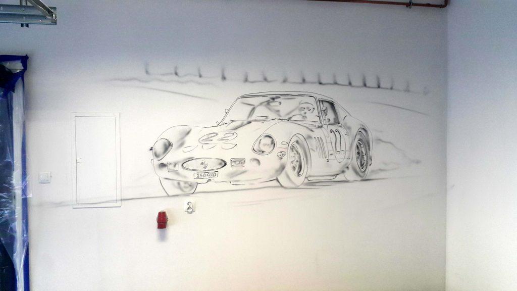 Malowanie samochodu na ścianie w garażu, ferrari