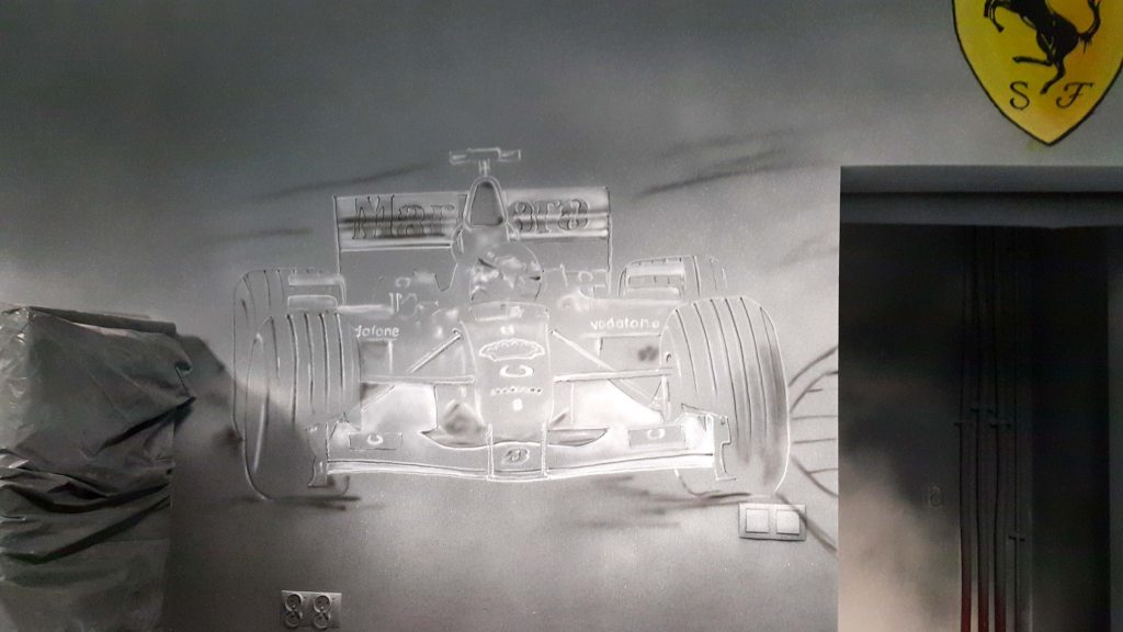 Malowanie bolida Formuły 1