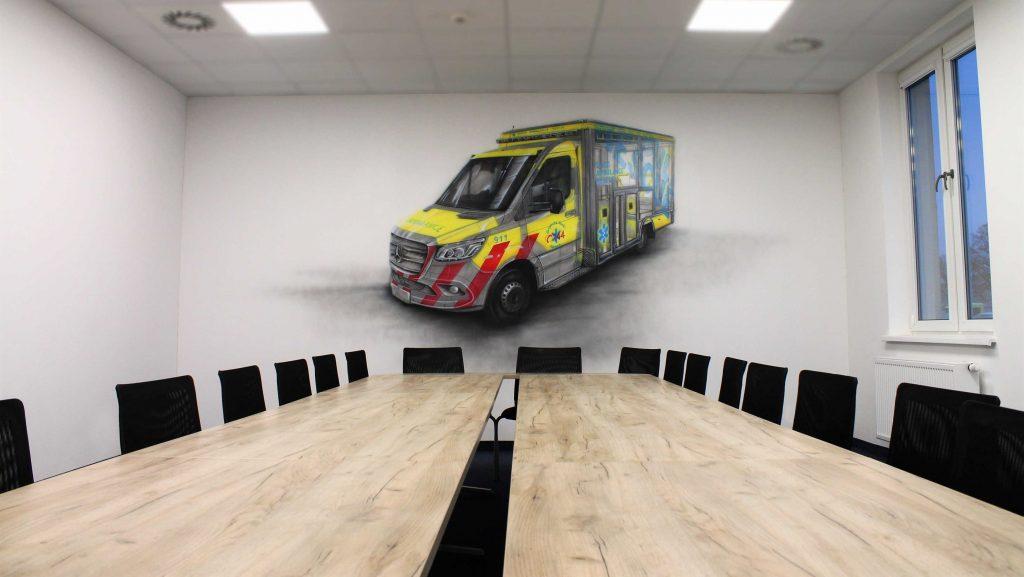 Aranżacja ściany w przestrzeni biurowej mural 3D w sali konferencyjnej