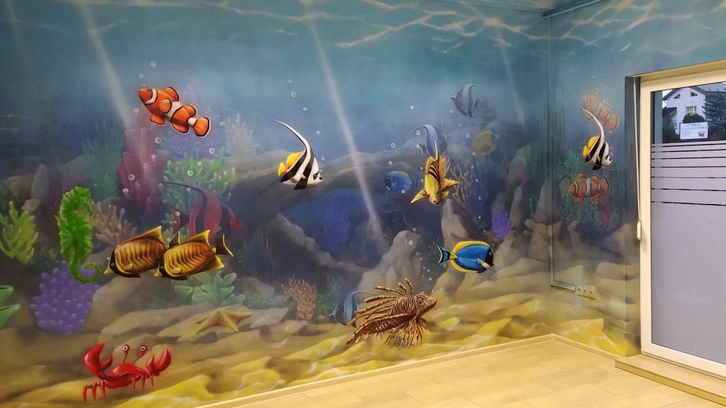 Kolorowa przychodnia dziecięca, aranżacja przychodni malowanie rafy koralowej w gabinecie pediatrycznym dla dzieci